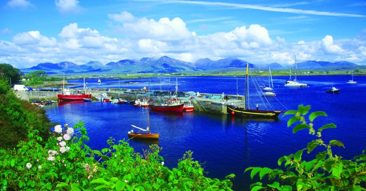 Roundstone harbour and the Twelve Bens, Connemara, Co Galway, Ireland.