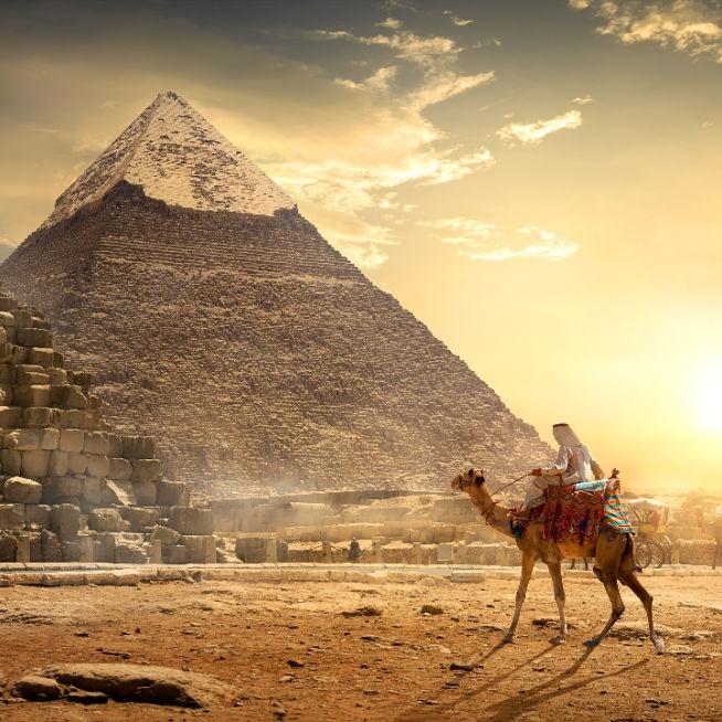 Egypt-Giza-Pyramid-Nomad on Camel-Gold-12sq-SS