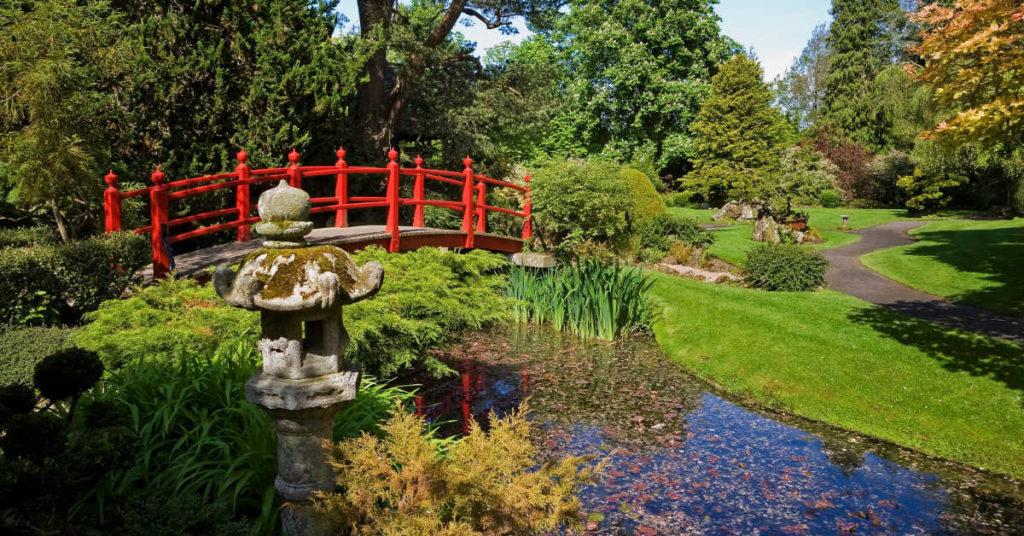 The Bridge of Life and stone lantern