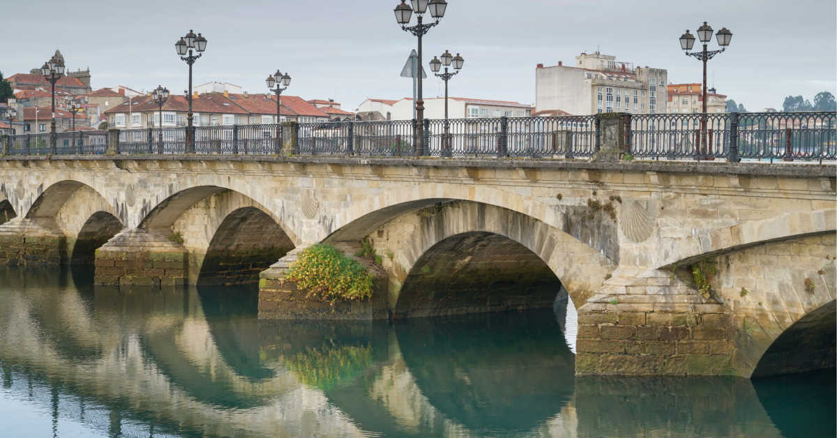 Old bridge of Pontevedra crossing the Rio Lerez in Galicia, Spain